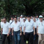 Foto: Mentan Syahrul (ketiga dari kiri depan) saat lari pagi Car Free Day di Lapangan Renon, Bali.