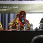Foto: Sekretaris Badan BPPSDMP, Siti Munifah saat pertemuan Evaluasi Kinerja Kinerja 2019 dan Kebijakan Pelatihan 2020 serta Invasi Pelayanan Publik di Bogor.