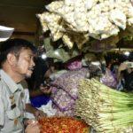Foto : Menteri Pertanian Syahrul Yasin Limpo Saat Melakukan Inspeksi Mendadak di Pasar Raya Senen, Jakarta Pusat