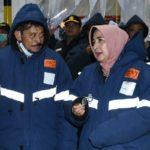 Foto : Menteri Pertanian Syahrul Yasin Limpo (kiri) bersama CEO PT Suri Nusantara Jaya, Diana Dewi (kanan) Saat Melihat Stok Daging di Gudang