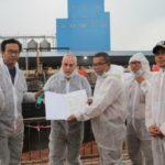 Foto : Penyerahan Sertifikat Kesehatan Hewan (HC) kepada Eksportir PT.Indo Tirta Suaka