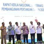 Foto : Menteri Pertanian (Mentan) Syahrul Yasin Limpo (kiri) Saat Menghadiri Rapat Kerja Nasional (Rakernas) Bersama Kementerian dan Lembaga Negara Lain di Jakarta (27/1)
