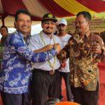 Foto : Dirjen Tanaman Pangan, Suwandi, Dirjen Prasarana dan Sarana Pertanian, Sarwo Edhy dan Staf Ahli Bupati Bidang Ekonomi dan Pembangunan, Sugianto