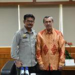 Foto: Mentan SYL saat menerima kunjungan Gubernur Riau Syamsuar di Kantor Pusat Kementan.