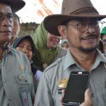 Foto : Menteri Pertanian, Syahrul Yasin Limpo (kanan) Bersama Dirjen Peternakan dan Kesehatan Hewan I Ketut Diarmita (kiri) Saat Melakukan Kunjungan Kerja ke Balai Pembibitan Ternak Unggul - Hijauan Pakan Ternak di Sembawa, Palembang