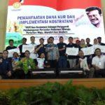 Foto : Menteri Pertanian Syahrul Yasin Limpo Menyerahkan bantuan Pertanian untuk Provinsi Sulawesi Selatan