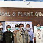 Foto : Menteri Pertanian Syahrul Yasin Limpo (tengah) Saat Melakukan Inspeksi Pengawasan Tindakan Karantina Pemeriksaan Lalu Lintas Hewan dan Produk di Bandara Soekarno Hatta, Senin (3/2)