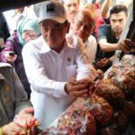 Foto : Mentan Syahrul Yasin Limpo melakukan kunjungan ke Pasar Senen Jakarta, guna memastikan kondisi pasar dan mengecek harga pangan pokok.